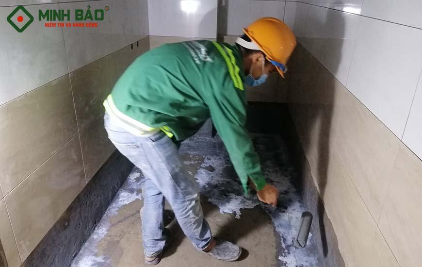 thấm nước nhà vệ sinh