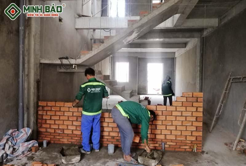 Công nhân xây dựng nhà phần thô quận 3