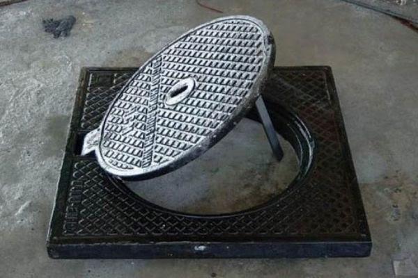 nắp hố ga phải được lắp kiên cố và chặt khít